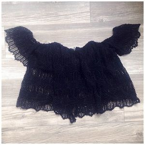 'Valentina' Crochet Off-Shoulder Crop Top